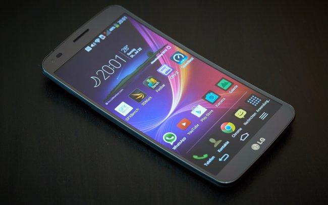 LG G Flex - Trotz eine Diagonale von sechs Zoll und nur HD-Auflösung wirkt das Display scharf