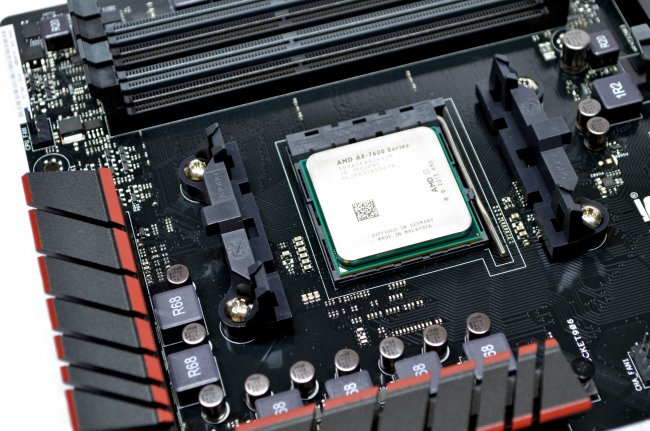 AMD A8-7650K - APU im Sockel