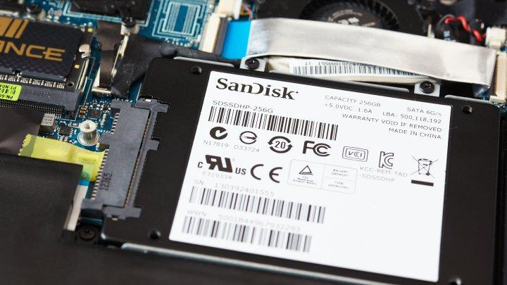 ASUS U38N-C4010H mit SSD
