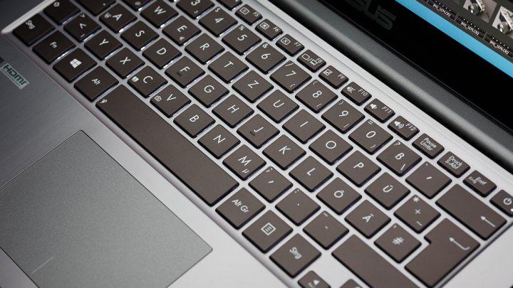 ASUS U38N Chiclet-Tastatur mit Hintergrundbeleuchtung