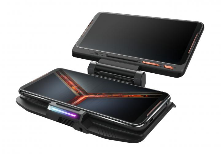 Besonders ausgefeilt ist die Kühlung des Asus ROG Phone II, da CPU und GPU schnell getaktet sind und beim Spielen Hitze entwickeln