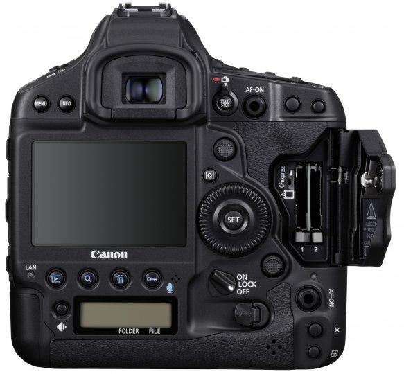 Canon EOS-1D X Mark III: Gespeichert wird auf CFexpress-Speicherkarten [Bildmaterial: Canon]