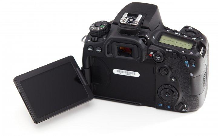 Canon EOS 90D: Das Display ist dreh- und schwenkbar