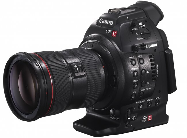 Canon EOS C100 mit EF 24-70mm f/2.8L IS USM (Quelle: Canon.de)