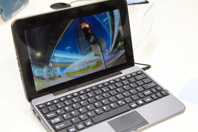 i.onik Tablet TP10.1-1500DC-KB auf der CeBIT 2013