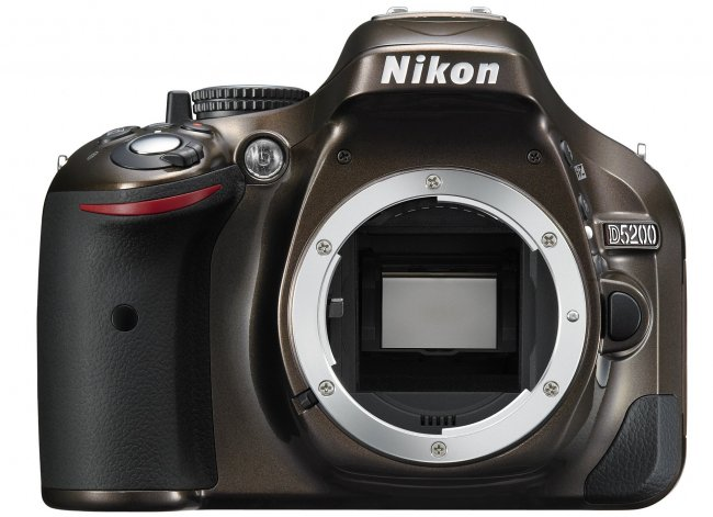 Nikon D5200 in Bronze