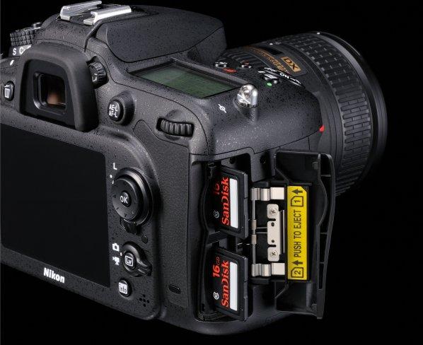Nikon D7100 SD-Cardslots