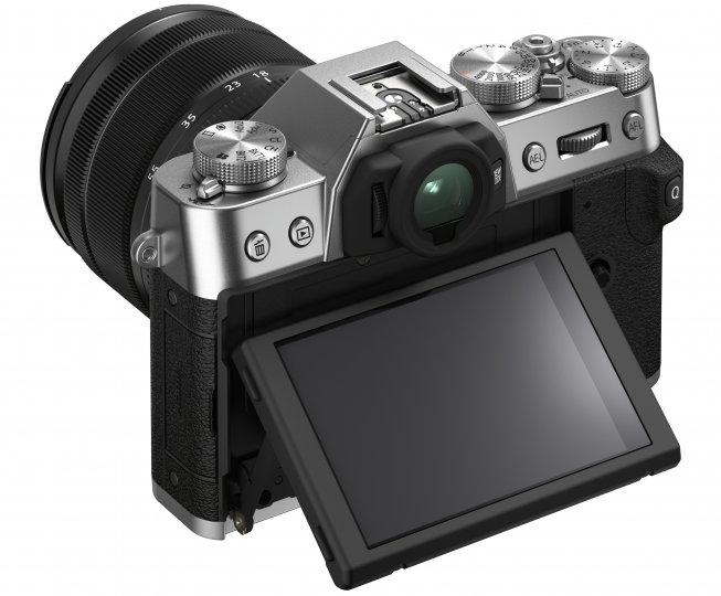 Fujifilm X-T30 II: Einzige Hardware-Änderung ist das etwa 50 Prozent höher auflösende LC-Touchdisplay [Bildmaterial: Fujifilm]