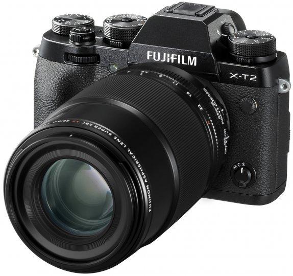 Das neue Fujnon XF80mmF2.8 R LM OIS WR Macro, montiert an einer Fujifilm X-T2 [Bildmaterial: Fujifilm]