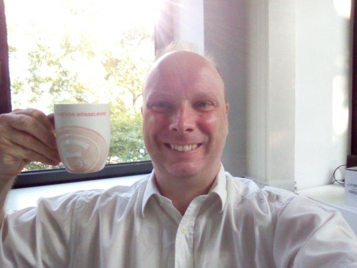 Selfies des Gigaset GS270 weisen gerne einmal Unschärfen oder Überbelichtungen auf