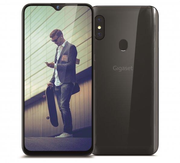 Gesteuert wird das Gigaset GS290 über ein 6,3 Zoll großes Display mit einer Auflösung von 2.340 x 1.080 Pixeln. Der gut funktionierende Fingerabdruck-Scanner liegt auf der Rückseite.