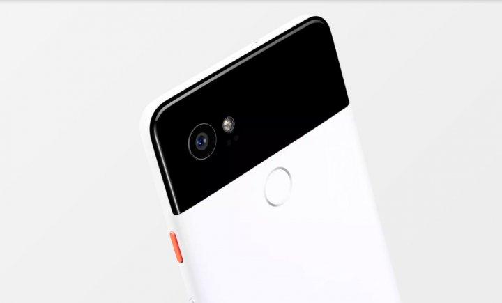 Das zweifarbige Design der Rückseite ist typisch für das Google Pixel 2 und 2 XL