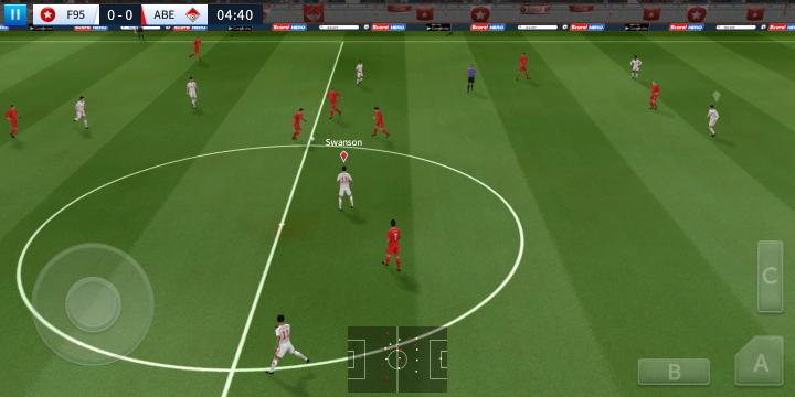 Das ungewohnte 18:9-Format des Displays des HTC U11 Plus sorgt z.B. beim Spielen von Dream League Soccer für Schwierigkeiten