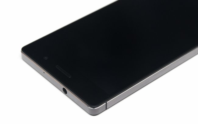 Huawei Ascend P7 - Der Kopfhöreranschluss ist nun wieder an der Oberseite