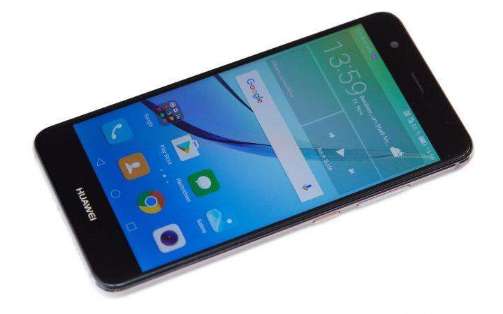 Huawei Nova: Das kompakte 5-Zoll-IPS-Display löst in Full HD auf