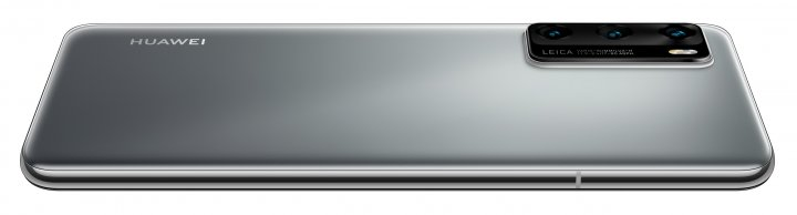 Auffällig ist das stark hervorstechende Kamera-Modul des Huawei P40. Der Akku ist fest verbaut und fasst 3.700 mAh.