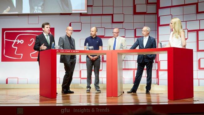 Podiumsdiskussion auf dem IFA IMB 2015: Dr. Steffen Krotsch, Georg Rötzer, Christopher Schläffer, Jürgen Boyny, Hans-Joachim Kamp und Judith Rakers (v.l.n.r.)