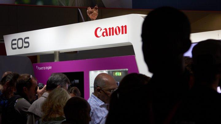 Canon, EOS und Hühner auf der photokina 2012