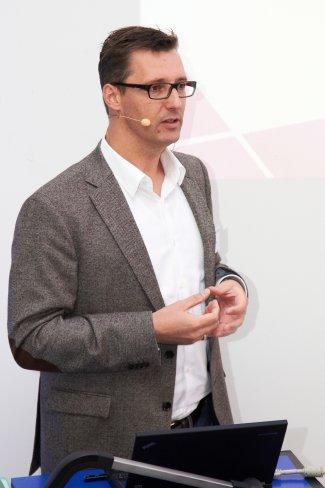 Jens Dissmann (Nokia) - Präsentation rund um Lumia und die Zukunft von Nokia in der LumiaFactory (Berlin) am 31.10.2012