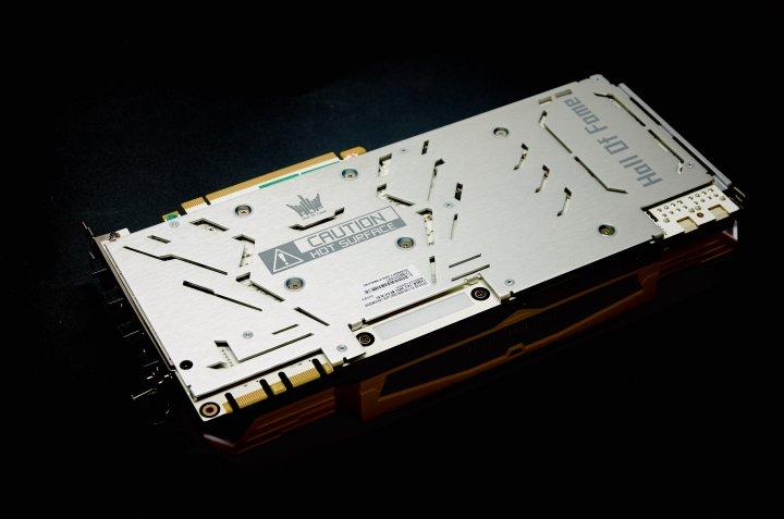 KFA² GTX 1070 HOF - Auf der Rückseite befindet sich eine Backplate aus Metall.