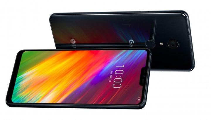 Das Display des LG G7 Fit kann per rückseitig liegendem Fingerabdruck-Scanner oder Gesichtserkennung entsperrt werden