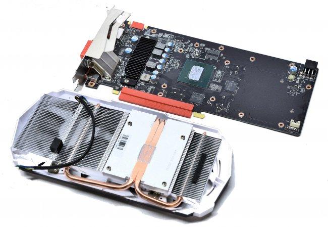 MSI GTX960 2GD5T OC - Auf dem PCB verbaut MSI hochwertige Komponenten, verschenkt aber auch Platz