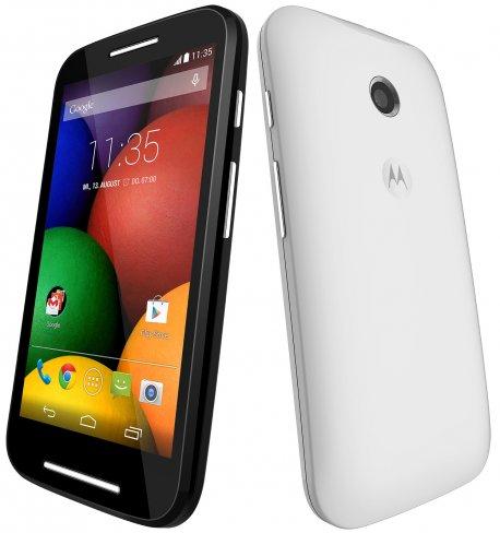 Mit einer Dicke von 12,3 Millimetern gehört das Motorola Moto E nicht gerade zu den schlanksten seiner Art, bietet dafür aber einen ordentlichen Akku [Bildmaterial: Motorola]