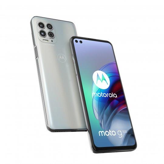 Prägnante Form: Das Motorola Moto G100 wird über ein 21:9-Display gesteuert und hat auf der Rückseite ein viereckiges Kameramodul