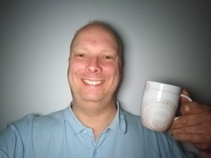 Das Display-Selfie-Fotolicht des Motorola Moto G7 Plus ist ausreichend hell