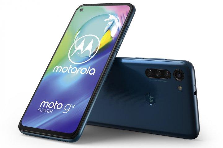 Wie der Vorgänger hat das Motorola Moto G8 Power einen 5.000-mAh-Akku, doch die Frontkamera steckt jetzt nicht mehr in einer Notch