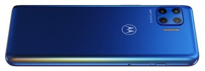 Der fest verbaute Akku des Motorola Moto G 5G Plus fasst stattliche 5.000 mAh