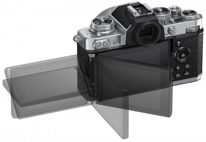 Nikon Z fc: Das Display ist jetzt dreh- und schwenkbar [Bildmaterial: Nikon Deutschland]
