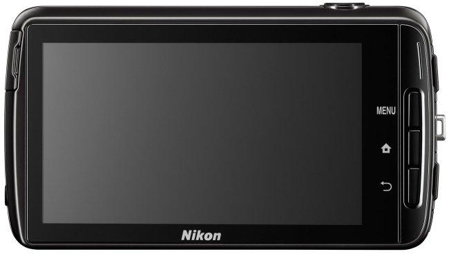 Durch den Touchscreen finden sich auf der Rückseite auch nur die drei Android-typischen Knöpfe [Bildmaterial: Nikon]