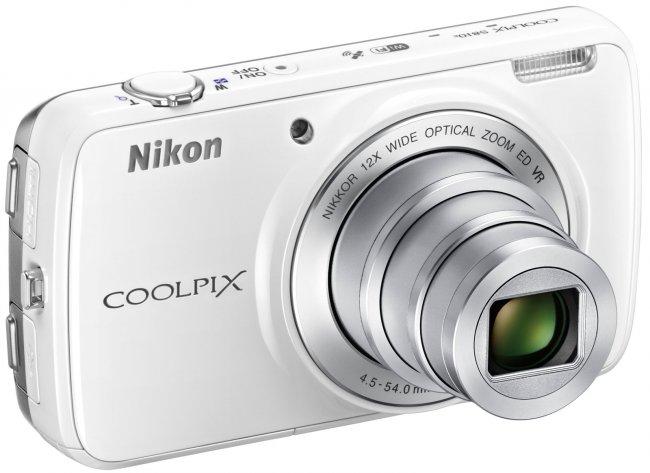 Bei der Nikon Coolpix S810c kombiniert man eine Digitalkamera mit Android 4.2 [Bildmaterial: Nikon]