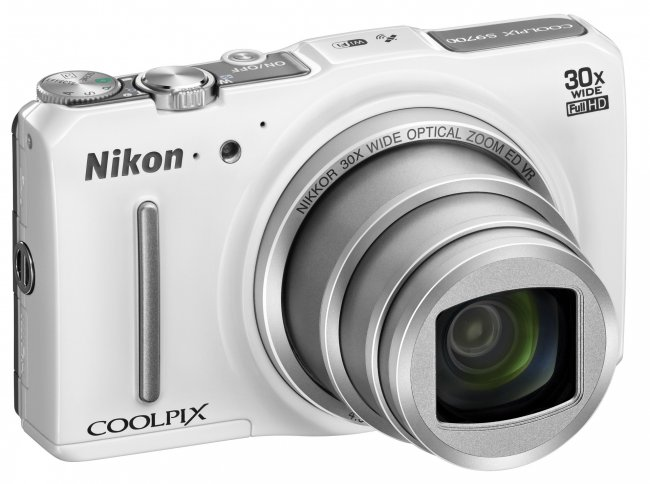 Nikon Coolpix S9700: Edle Mittelklasse-Kompaktkamera [Bildmaterial: Nikon]