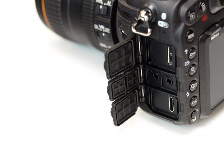 Nikon D500: USB 3.0, HDMI, Kopfhörer- und Mikrofonanschluss werden geboten