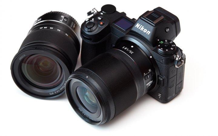 Nikon Z7 zusammen mit dem Nikkor Z 35 mm f/1.8 S und 24-70 mm f/4 S
