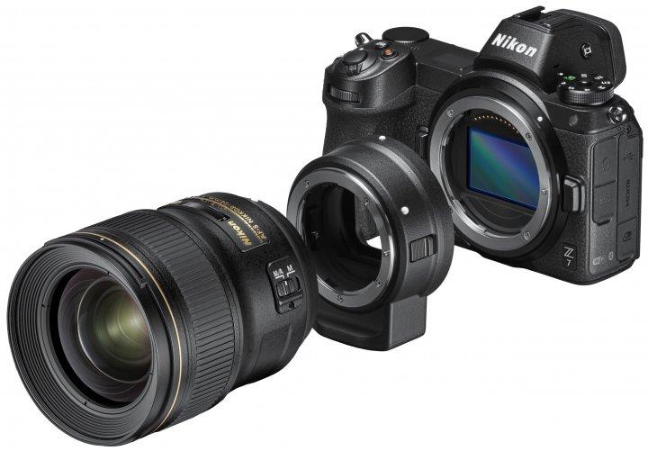 Nikon Z7 zusammen mit FTX-Adapter und Nikon-F-Objektiv [Bildmaterial: Nikon]
