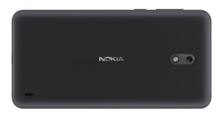 Hinter dem Akkudeckel des Nokia 2 verbergen sich Slots für zwei Nano-SIM-Karten und eine microSD-Karte