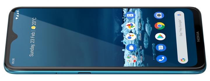 Auf der linken Seite des Nokia 5.3 liegt eine Taste, über die der  Google Assistant aufgerufen werden kann
