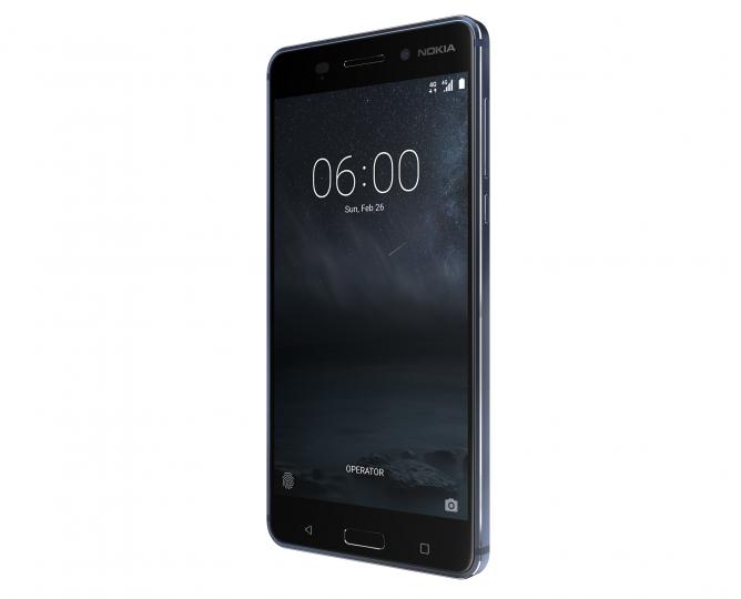 Aufgrund der Größe des Nokia 6 ist eine Ein-Hand-Bedienung schwer möglich