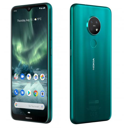 Auffällig sind beim Nokia 7.2 das hervorstehende runde Kamera-Modul auf der Rückseite und der relativ breite Display-Rahmen