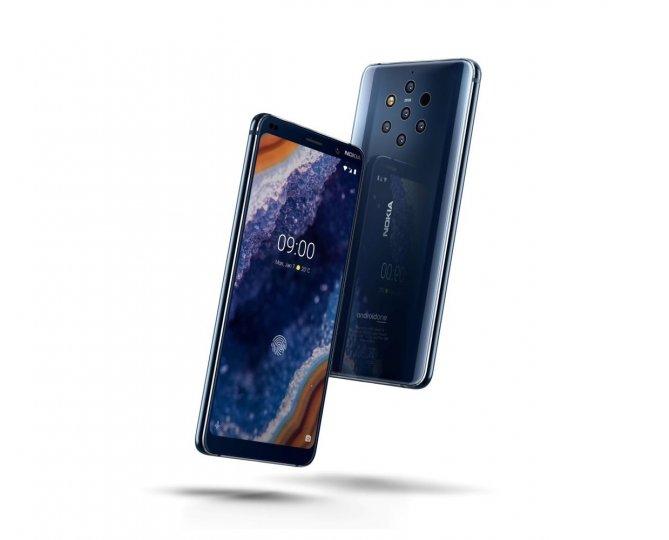 Der Akku ist leider der Schwachpunkt des Nokia 9 PureView und bei Sonnelicht lässt sich das P-OLED-Display schlecht ablesen