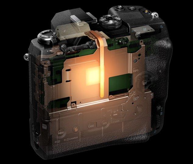 Olympus OM-D E-M1X: Erstmals in einer DSLM sorgt eine Heatpipe für den Wärmetransport.