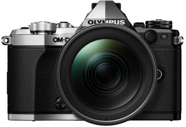 In Silber und Schwarz zu haben: Die Olympus OM-D E-M5 Mark II [Bildmaterial: Olympus]