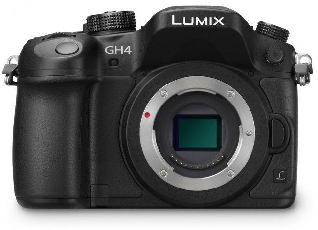 Panasonic Lumix DMC-GH4: Frontansicht mit Blick auf den µFT-CMOS-Sensor [Bildmaterial: Panasonic]