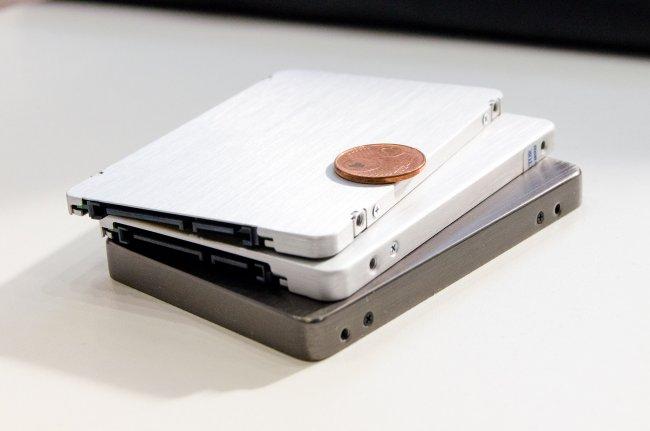 Am Stand von Plextor konnten wir die neue flache M6 SSD sowie zwei weitere Modelle für die noch sehr frische M.2-Schnittstelle (NGFF) begutachten.