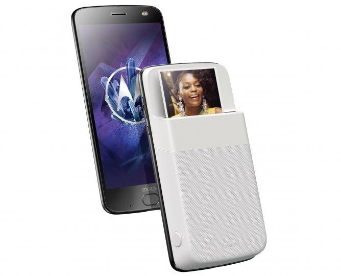 Das Polaroid Insta-Share-Mod kann an das Motorola Moto Z2 Force Edition angedockt werden