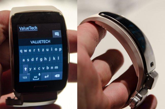 Die Samsung Gear S macht mit dem gebogenen Display auf den ersten Blick einiges her