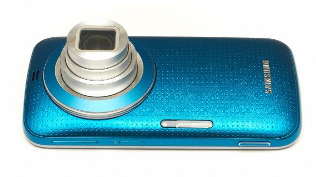 Samsung Galaxy K Zoom: Verbaut wurde ein Objektiv mit 10-fach optischen Zoom (24-240 mm entsprechend KB)